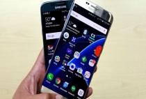 """Sam Sung Galaxy S8 liên tục """" lộ hàng"""" trên tay, phát hiện thêm một nút bấm lạ"""